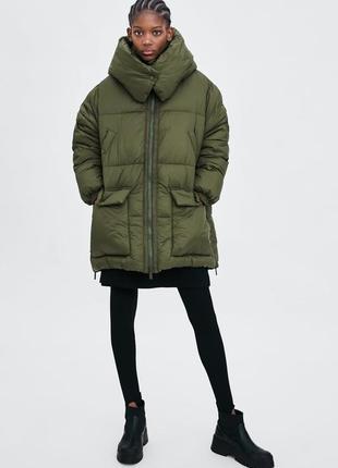 Стеганое пальто sorona duponт zara цвет хаки, размер s-m