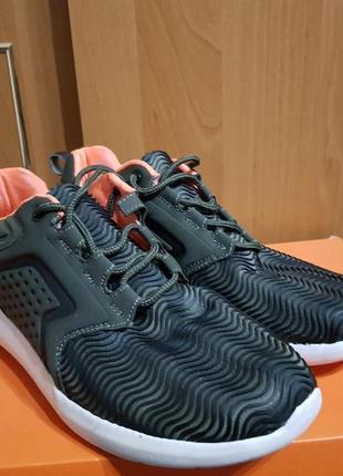 Классные кроссовки женские размер 39