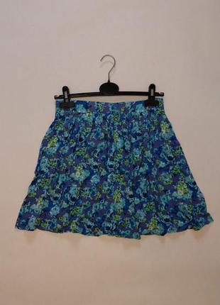 Короткая юбка в цветочек