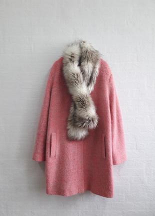 Стильное пальто с меховым воротничком , подойдет на 52,54 р.