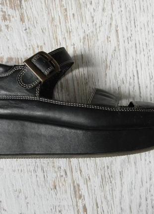 Черные кожаные босоножки на платформе 37р.