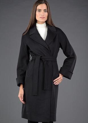 Классическое демисезонное пальто с запахом