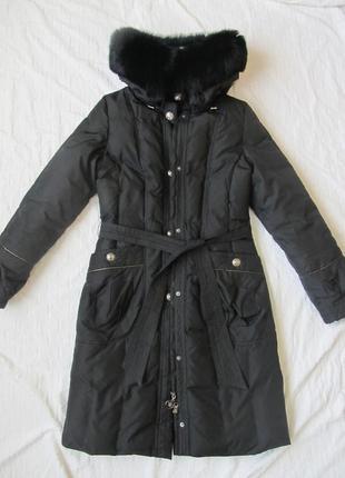 Зимний пуховик чёрного цвета