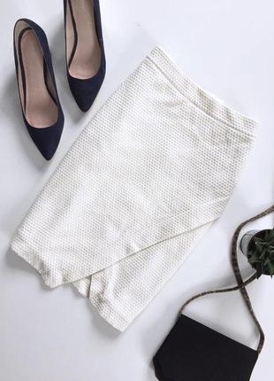 Актуальная фактурная юбка на запах от h&m