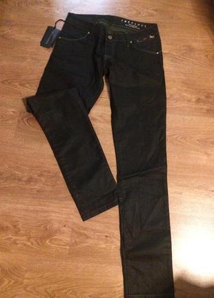 Бредовые джинсы и италии
