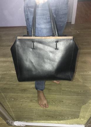 Черная сумка вместительная