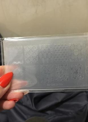 Пластмассовая пластина для стемпинга
