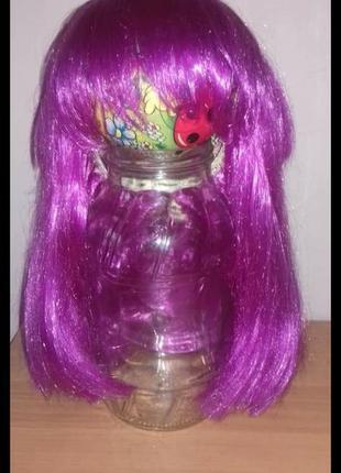 Продам парик. цвет малиновый