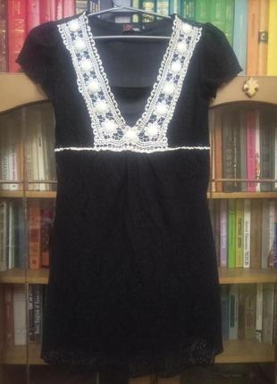 Красивое кружевное черное платье