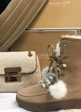 Зимние и очень красивые сапоги michael kors меховая сумка овчина так же в наличии