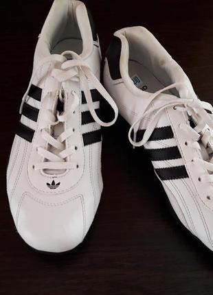Супер крутые кроссовки adidas