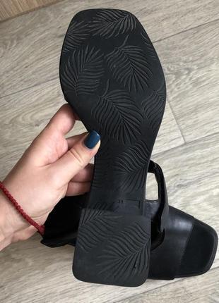 Босоножки на толстом каблуке натуральная кожа 39р4