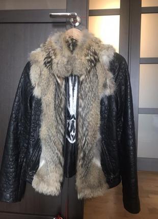 Кожаная куртка с натуральным мехом волка
