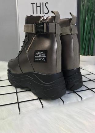 Крутые зимние ботинки на скрытой танкетке ! размер 39 на 38