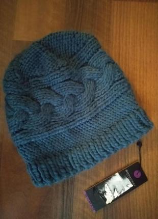 Теплая новая шапка с объемной вязкой от broadway.