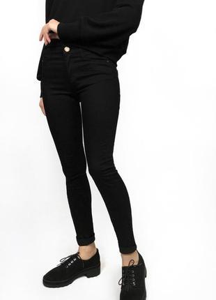Черные плотные джинсы скинни (skinny) stradivarius