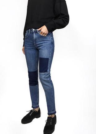 Фактурные джинсы с вставками латками и рваным низом h&m