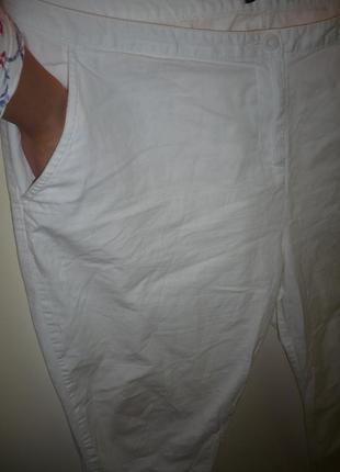 Штаны капри белые, с карманами, р.20-22.