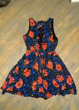 Платье со шнуровкой на спине с трендовым цветочным принтом из коттона
