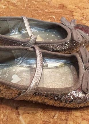 Туфли нарядные в пайетки от bluezoo