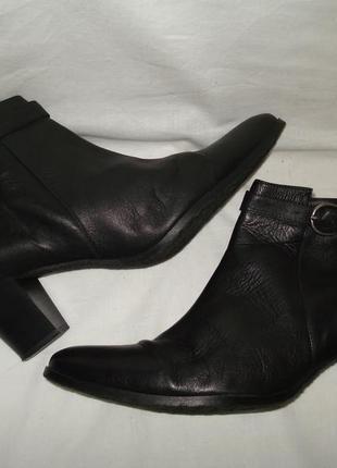 41 р./27 см. фирменные демисезонные кожаные ботиночки на устойчивом каблуке