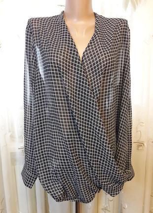Блуза с эффектом запаха в клетку