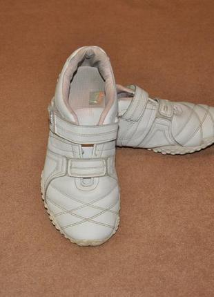 Фирменные кроссовки на липучке lonsdale