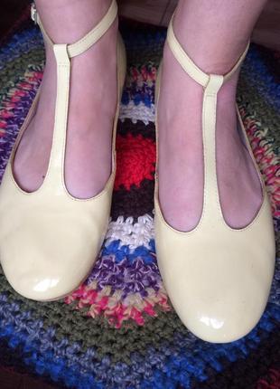 Желтые балетки туфли на низком