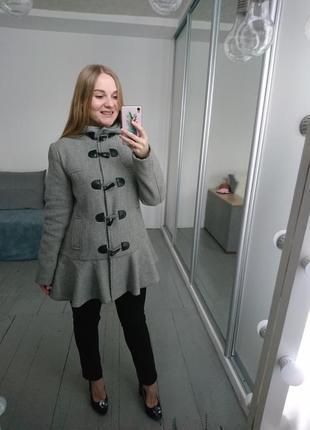 Необычное милое пальто дафл