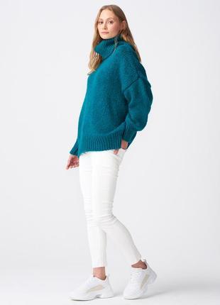 Очень мягкие и теплый свитер бирюзового цвета