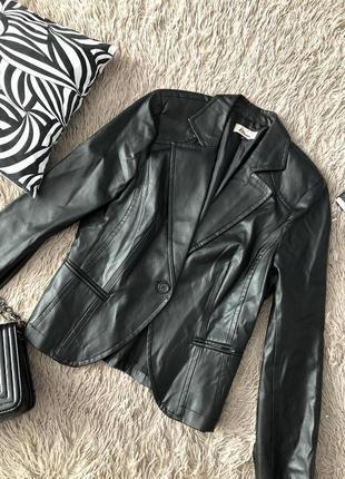 Кожаный пиджак жакет от miss etam эко кожа
