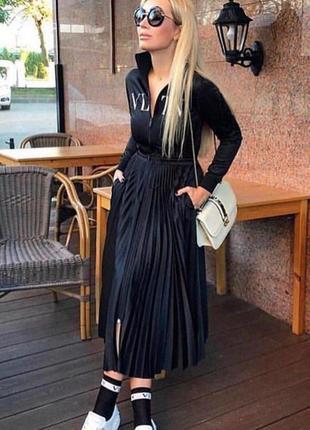 Платья valentino с плиссированной юбкой