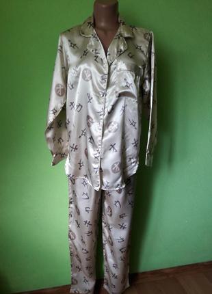 Очаровательная атласная пижама