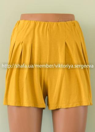 Стильная актуальные шорты, юбка-шорты горчичного цвета вискоза