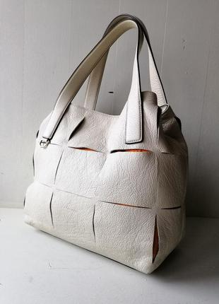 Coccinelle вместительная кожаная сумка. оригинал