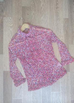 Яркая полупрозрачная блузочка в мелкий цветочный принт