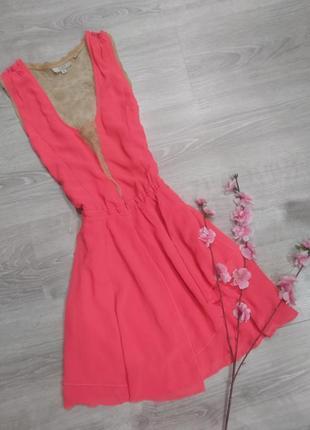 Яркое неоновое платье с кружевом guess