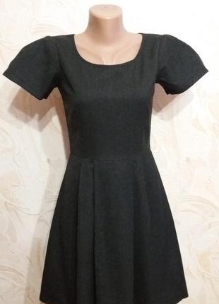 Темно-серое шерстяное теплое платье с короткими рукавами gap размер s