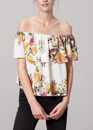 Квіткова блуза stradivarius