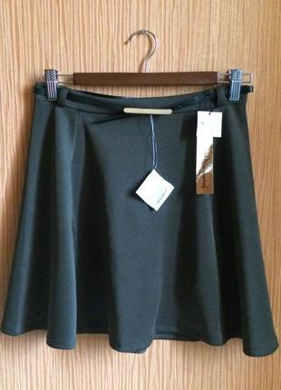 Шикарная гладкая коричневая юбка солнце stradivarius с поясом в комплекте