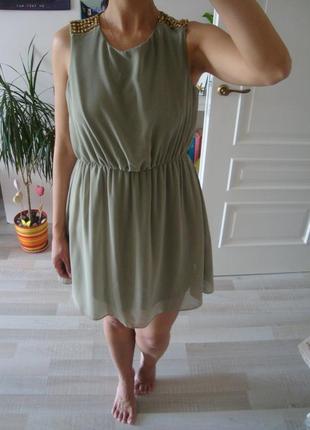 Стильное платье цвета хаки