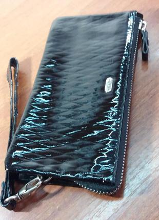 Кожаный лаковый кошелек черного цвета aka deri турция