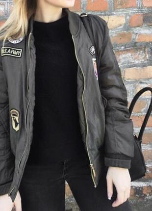 Куртка / бомбер цвета хаки