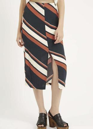 Мегастильная юбка миди в полоску с разрезом topshop