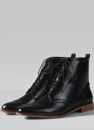 Крутые лаковые ботинки 36