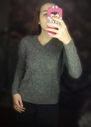 Теплый вызаный серый свитер свободный