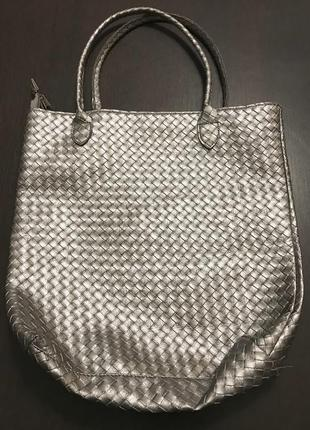Серебристая сумка шопер
