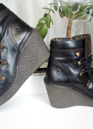 Стильные,комфортные  ботиночки  37 р.! fly london !!!