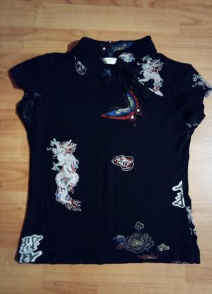 Яркая футболка в китайском стиле