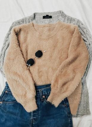 Теплый, мягкий  свитер- травка